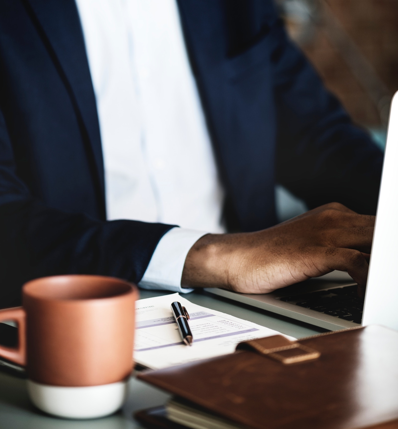 6 ways to evaluate job candidates beyond the resume